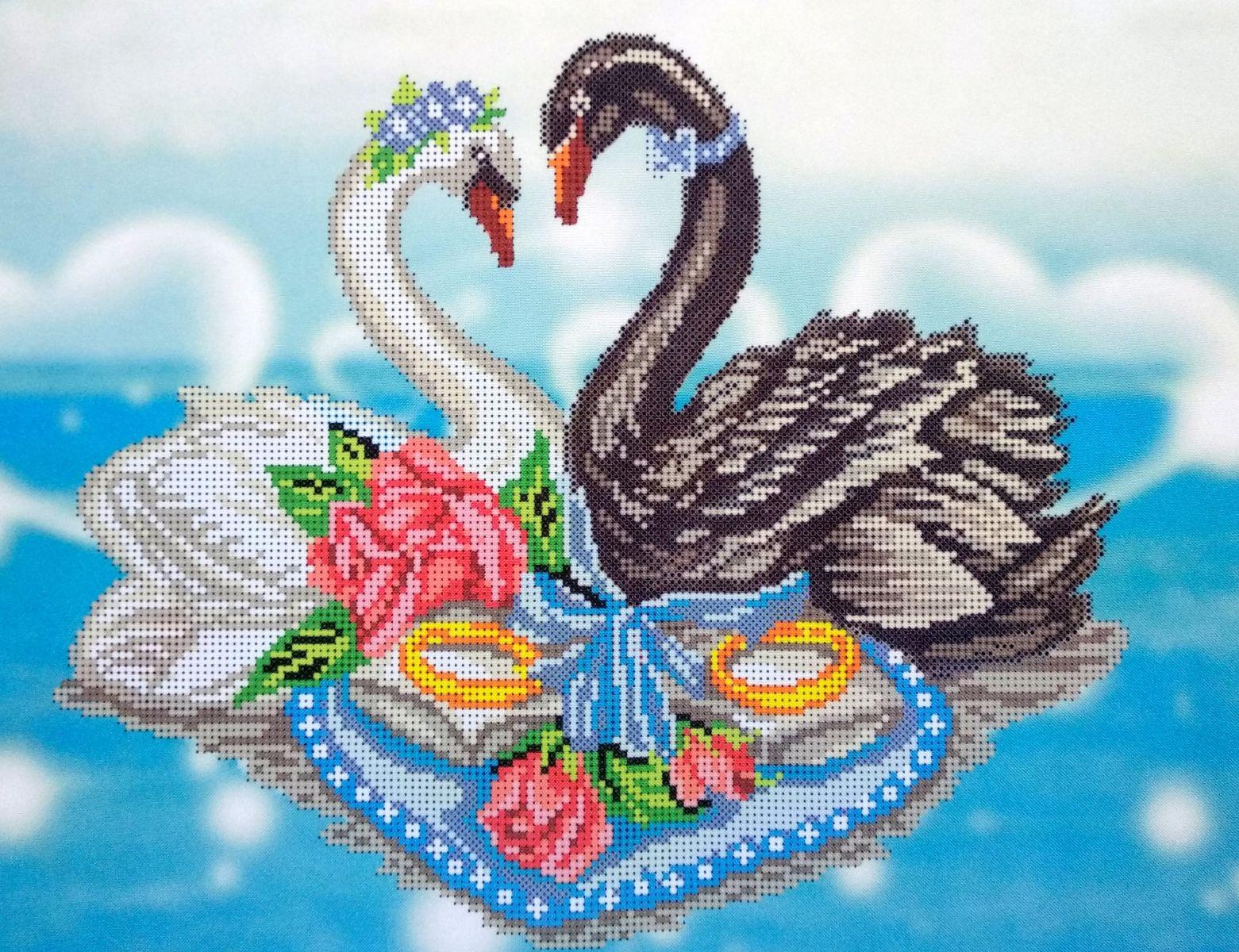 Лебеди из бисера картинки